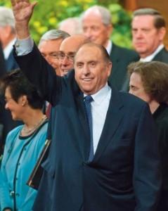 Presidente Monson Mantém Sua Agenda Cheia Mesmo Completando 84 Anos